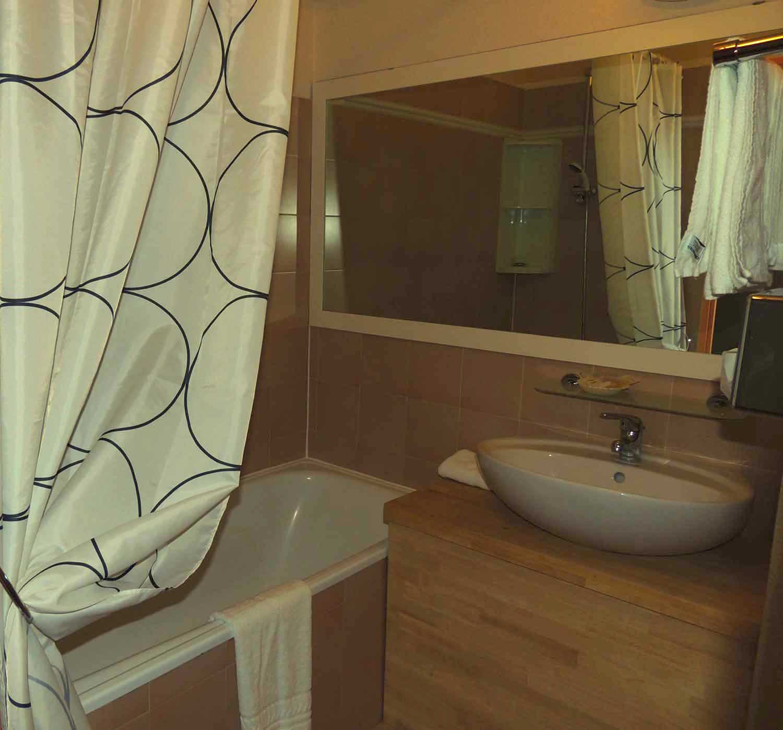 Salle De Bain Handicape Norme Suisse ~ Double Terrace Hotel Cap D Agde Hotel Tennis